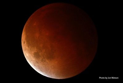 Lunar eclipse by Jon Watson
